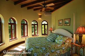 Peter Bay Gatehouse Honeymoon Suite bedroom