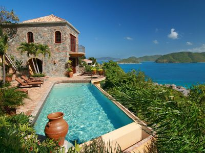 Villa Cinnamon Breeze, Peter Bay, St John pool and view