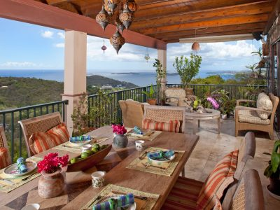 Riley's Retreat Villa St JOhn outdoor dining and view