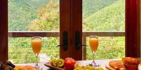 Skytop Studio breakfast bar views